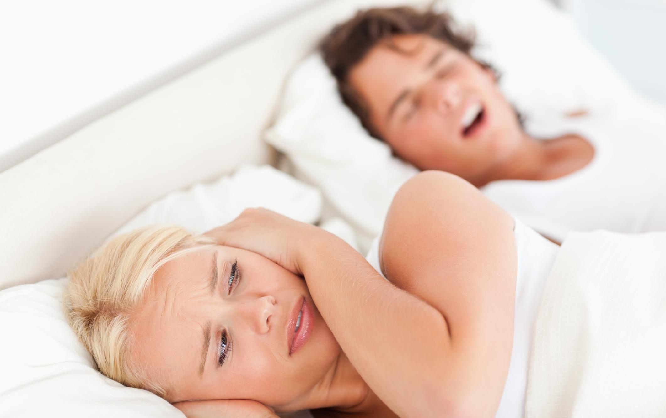 Russamento notturno e apnee: nuovi approcci terapeutici mini-invasivi